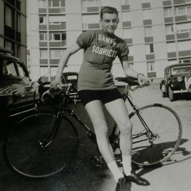 1963-tenue-d-epoque-c.jpg